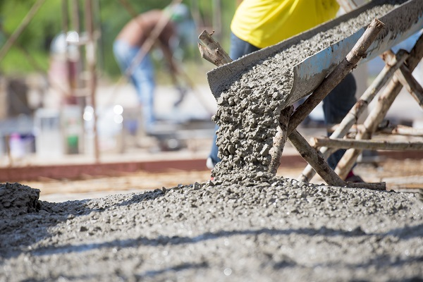 When being added to concrete, calcium carbonate improves self-compacting properties